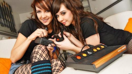 emma-glover-angel-girls-ariel-atari-gaming-hdr-photography-wallchan-1267108