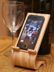 Wooden-Phone-Stand