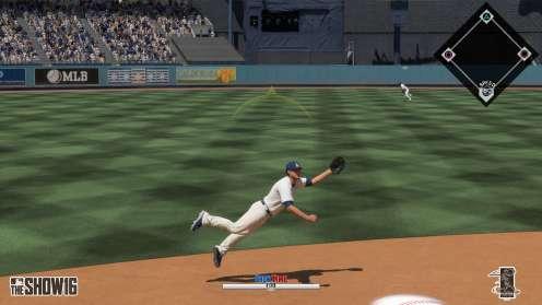 MLB 16 Showtime dive catch