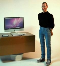 Mini-Steve-Jobs-Action-Figure_1