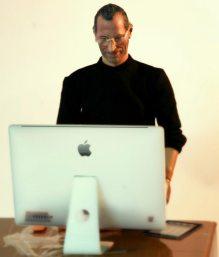 Mini-Steve-Jobs-Action-Figure_2