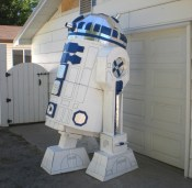 cardboard-R2D2-3-550x540