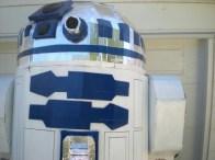 cardboard-R2D2-4-550x412