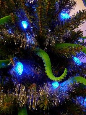Cthulhu-Christmas-Tree-3
