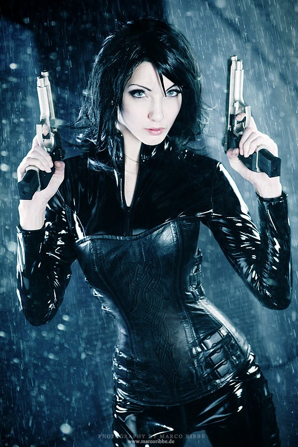 Massively Sexy Selene Underworld Cosplay Picture