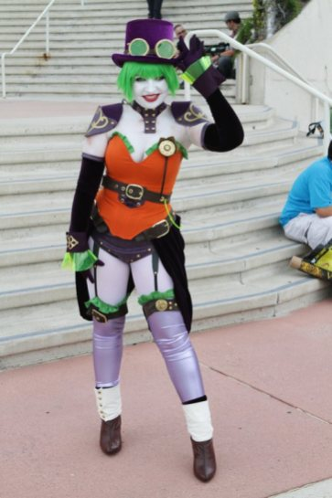 Duela Dent - Picture by Bill Watters - SDCC 2012