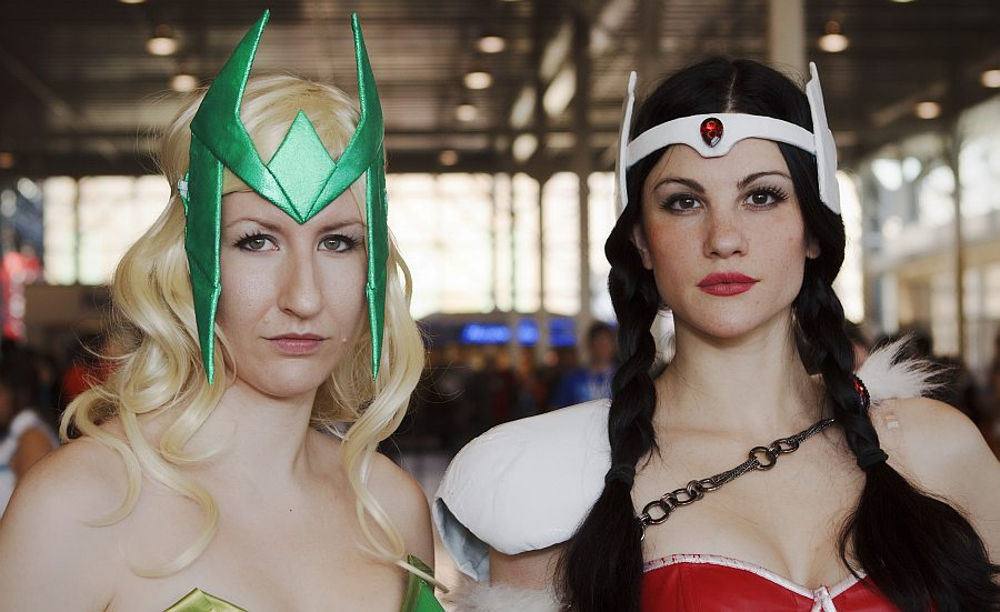 Lady Sif and Friend - New York Comic Con 2012 - Picture by Geeks are Sexy