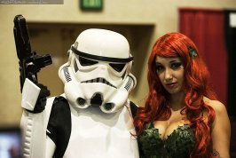 Stormtrooper and Poison Ivy @ Las Vegas Comic Expo 2012 – Picture by Brian DeCania