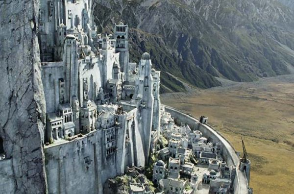 As rumors of a proposed 'LOTR' theme park swirl, could Minas Tirith be near Hogwarts?
