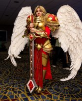 Fantastic Kayle (League of Legends) Cosplay at Dragon Con 2013 - Picture by androg0000