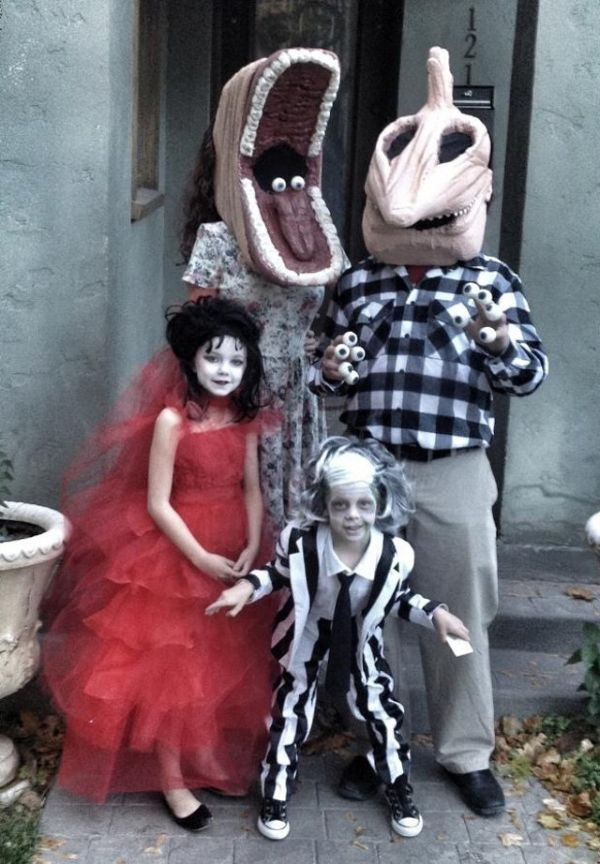 family-beetlejuice-costumes