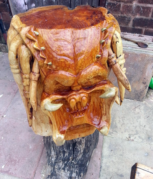 predator-sculpture-tree2