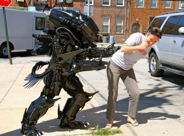 Brooklyn-Alien-3 & Amazing Alien Xenomorph Cosplay From Brooklyn RobotWorks [Pics]