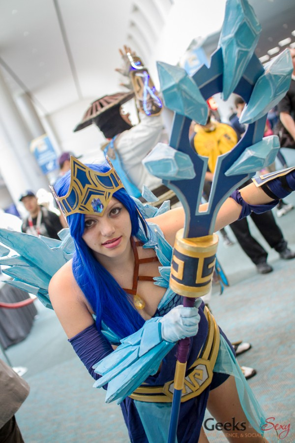 Frost Queen Janna (League of Legends) - San Diego Comic-Con 2015 - Photo by Geeks are Sexy