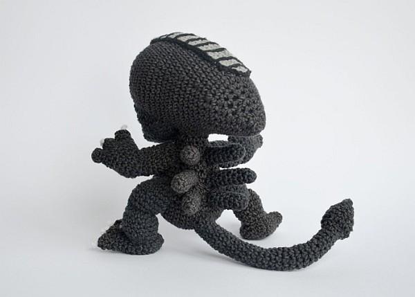 Alien Invasion - Amigurumi - Crochet Pattern | 429x600