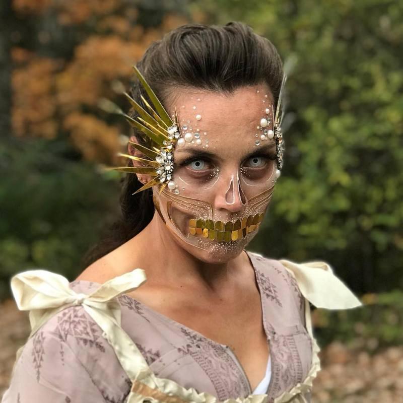 Miranda (Jeweled Skeletal Queen)