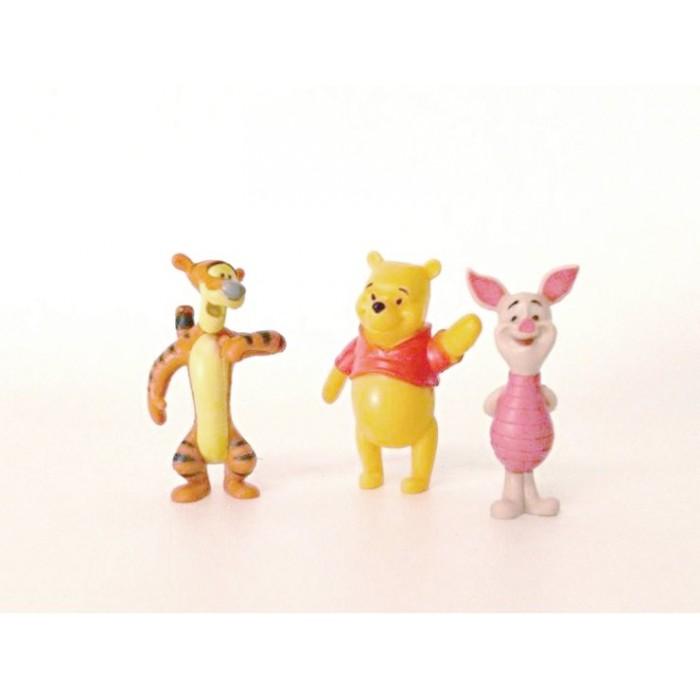 GeeksHive Disney Winnie The Pooh 2 Figurine Set