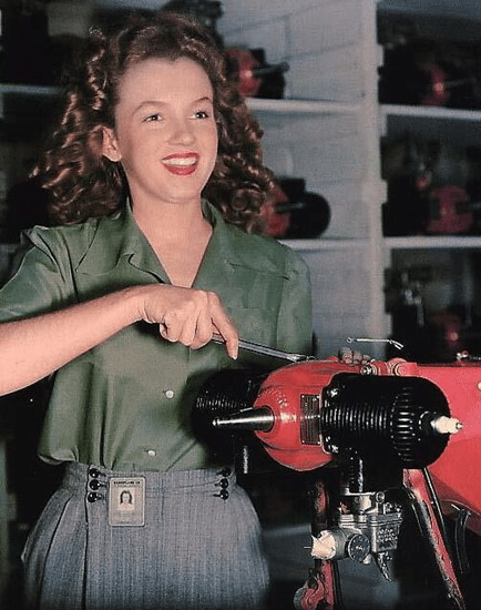 A young Marilyn Monroe when she was a factory worker in Van Nuys, California (1944)
