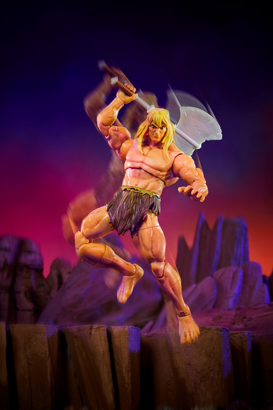 Masters of the Universe Revelation Savage He-Man with Orko -  jumping