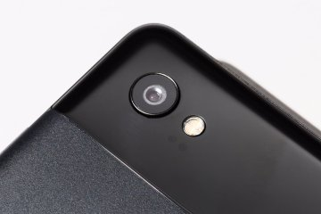 Google Pixel 2 Camera Hump in Black