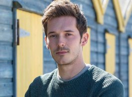 Sam Palladio Returns To 'Humans' For Season 3