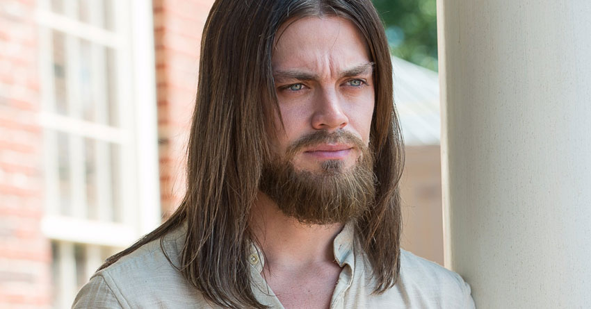 TWD's Tom Payne Replaces Finn Jones In Fox's Serial-Killer Pilot 'Prodigal Son'