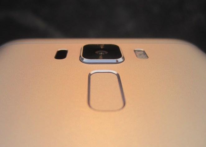 https://i0.wp.com/www.geekysplash.com/wp-content/uploads/2017/02/Asus-Zenfone3-Laser-Review-Design.jpg?resize=662%2C472
