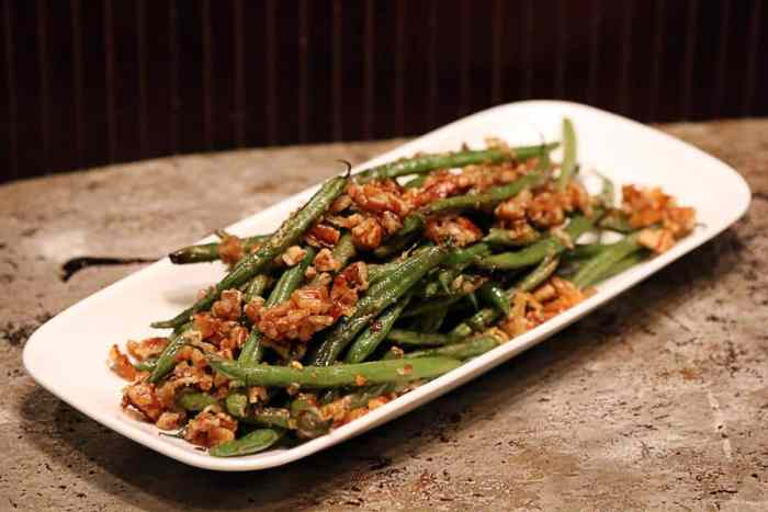 Roasted Pecan Green Beans by ruled.me | Image source: ruled.me