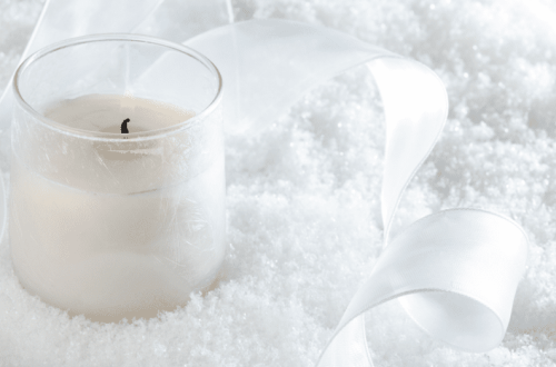 best smelling winter candles for good vibes all winter long (1)