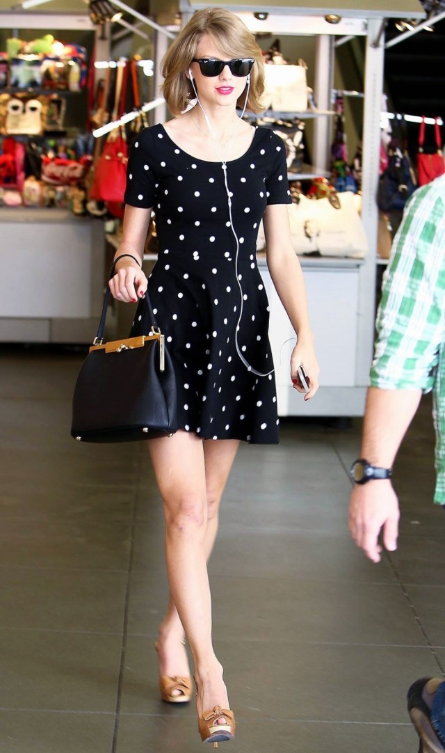 Tylor Swift Casual Dress ups With Black Frock and white  small flowers