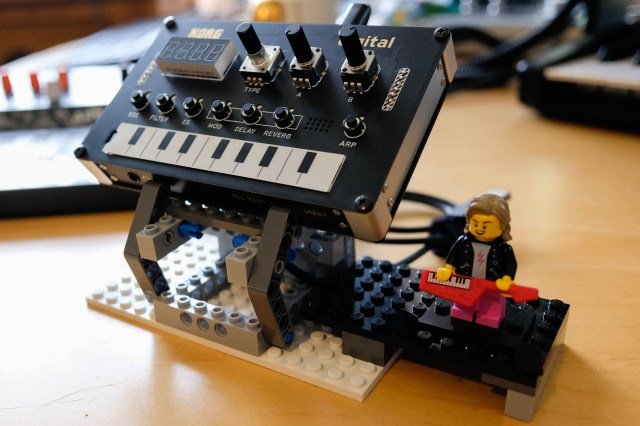 A quick Lego stand for the NTS-1
