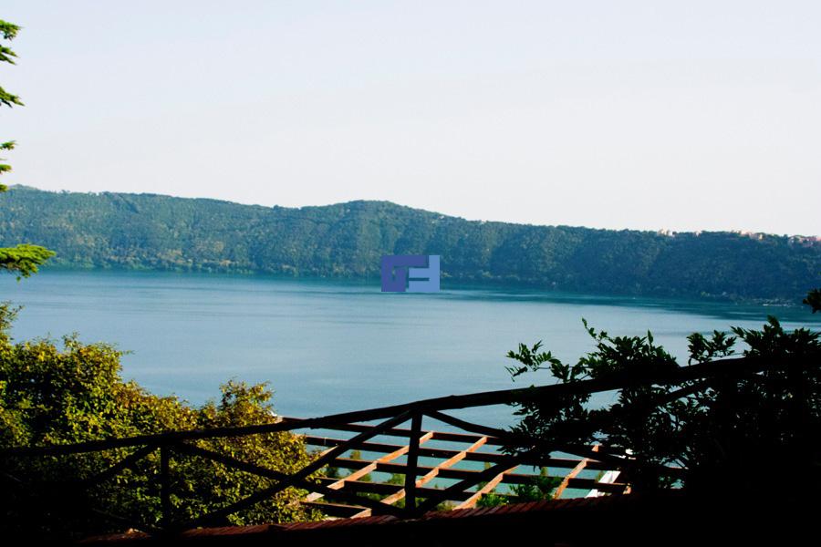 Villa  Castel  Gandolfo  Vendita  Lago  Albano