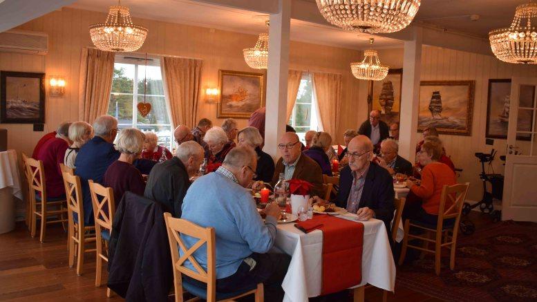 STASELIG: Omgivelsene på Arendal Herregaard er ganske annerledes enn i helselagets kjellerrom på Færvik bo- og omsorgssenter. Foto: Esben Holm Eskelund