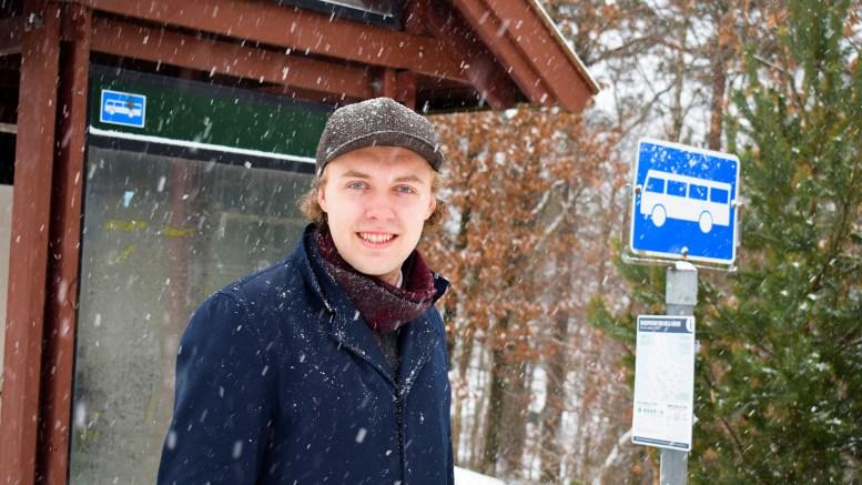 NATTBUSS: Høyre-politiker Erik Johan Tellefsen Lindøe vil ha nattbussen tilbake på Tromøy. Foto: Esben Holm Eskelund