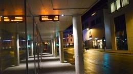 NATTBUSS:Siste buss til Tromøy lørdag kveld går kl. 23.15, ofte lenge før folk i det hele tatt har kommet seg ut. Foto: Esben Holm Eskelund