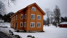 HOVE GÅRD: Har stedet denne bygningen står vært utgangspunkt for et Hov i vikingtiden? Foto: Esben Holm Eskelund