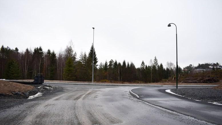 BARNEHAGETOMT: Området rett frem på bildet ønsker både politikerne og utbyggerne at skal bli tomt til barnehage på Marisberg. Foto: Esben Holm Eskelund