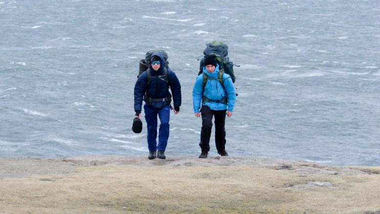 NORGE PÅ LANGS: Isak Knutsen (16) og Simon Simonsen (16) startet onsdag på eventyrekspedisjonen. Første etappe går i påsken til 120 kilometer til Evje fra Lindesnes fyr. Foto: Halvor Knutsen