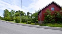 HOFSTØL: Ligger langs veien mellom Færvik og Sandum. Foto: Esben Holm Eskelund