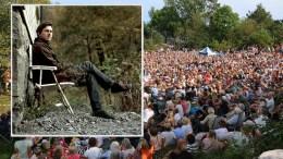 PÅ MERDØ: Canal Streets fyrkonsert holdes også i år på Merdø. Rogalandsartisten Tønes med band spiller opp onsdag ettermiddag. Drar han like mange som Bjørn Eidsvåg gjorde i 2017? Pressefoto/Esben Holm Eskelund