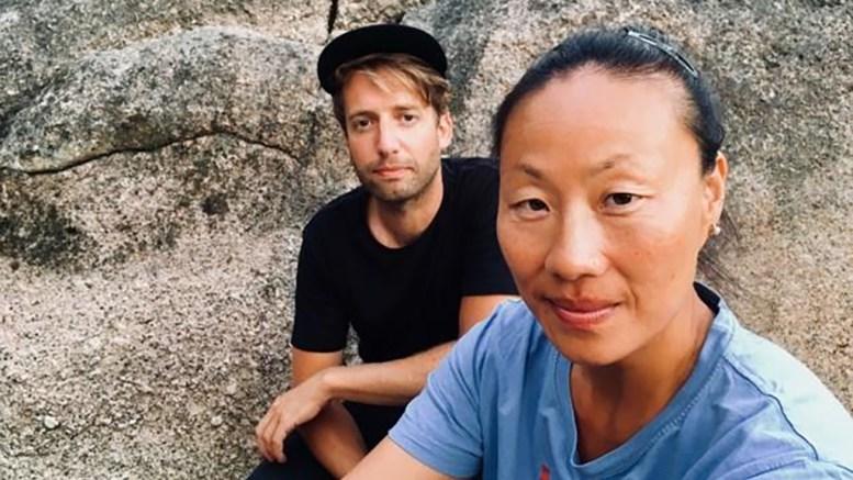 HØSTLANSERING: MiRee Abrahamsen og Arne Kjelsrud Mathisen deltar når Arendal bibliotek slipper høstprogrammet. Foto: Arendal bibliotek/Facebook