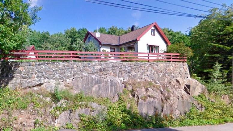 FORTETTING: På denne eiendommen i Skilsøveien, like ved Færvik bo- og omsorgssenter er det planer om sju nye boenheter. Foto: Google Street View