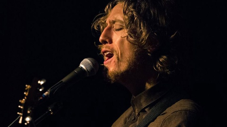 ALASKA: Han er kjent som musikeren fra Åmli. Lørdag kommer Jonas Alaska tilbake til Studio Spornes. Foto: Facebook/Jonas Alaska