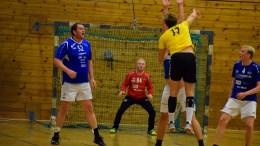 TRAUMA-OTRA: Otras håndballherrer ga Trauma en vrien kamp i Tromøyhallen lørdag. Foto: Esben Holm Eskelund