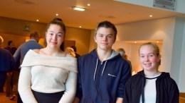 UNGDOMMENS TALERØR: Ada Elise Terjesen (t.v.), John Emil Hugo Terjesen og Maren Monsen er representanter for Tromøy i Ungdommens bystyre i Arendal dette skoleåret. Foto: Esben Holm Eskelund