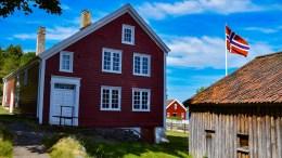 EIENDOMSSKATT: Flere samfunnsnyttige eiendommer, som Merdøgaard og museum foreslås fritatt for eiendomsskatt neste år. Foto: Esben Holm Eskelund