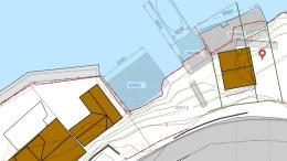 BRYGGESTRID: Uenigheten om hva som kan bygges hvor og på hvilken måte er stor, ettersom begge partene har tinglyst rett til brygge langs sjøkanten på Skilsø. Kart: fra sakspapirene