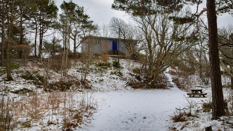 CANVAS-BYGNINGER: Bygningen på Såta rett utenfor Hove Camping og i Raet Nasjonalpark, inngår i salgsavtale om bygningsmasse på Hoveodden. Foto: Esben Holm Eskelund