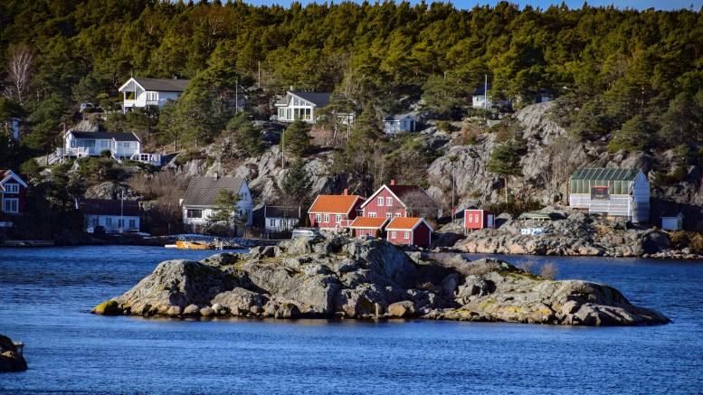 BADEPLASS: Yndet sted i Hovekilen, utenfor Gjesøya og Sildevig. Foto: Esben Holm Eskelund