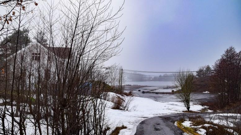 BLIR BOLIGFELT: Det gamle industri- og båtopplaget på Vågsnes står foran en omfattende utvikling som boligområde. Foto: Esben Holm Eskelund